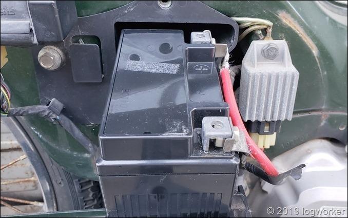 a00054_スーパーカブ90のバッテリー交換_16